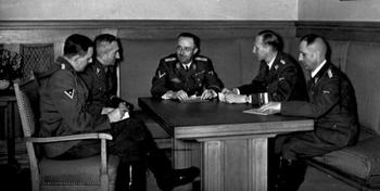 Nebe, Huber, Himmler, Heydrich, Müller.JPG